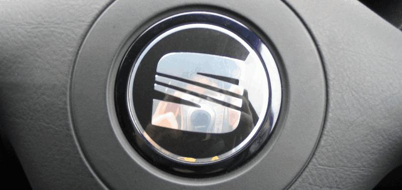 ¿Cómo se elige que ciudades españolas ponen nombre a los coches Seat?